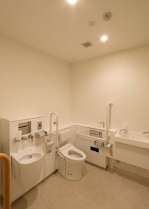 22 車椅子用トイレ