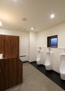 18 男子トイレ