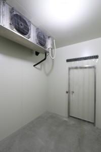 52 保管用冷蔵庫